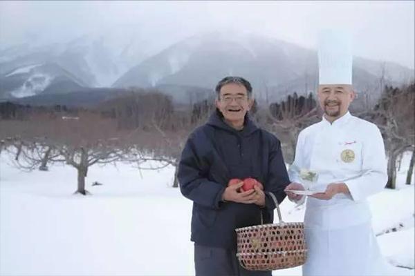连主厨都赞叹,这种苹果居然不会烂,可能是汇聚了生产者的灵魂