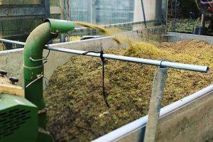 在日本,利用常见农业废弃物堆肥的常见方法